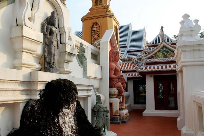 15-Wat-Bowonniwet-Wihan