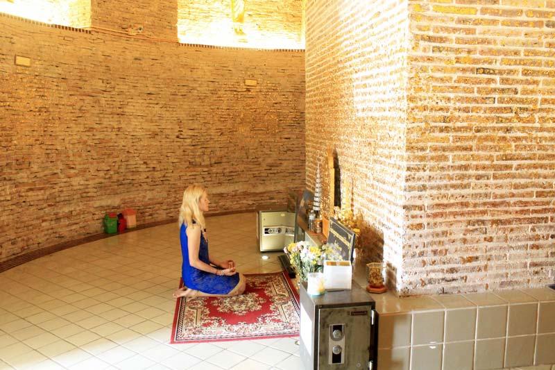 35-буддистская-ступа-внутри