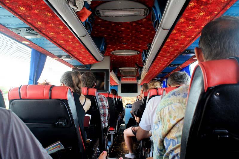 автобусы-таиланда-салон