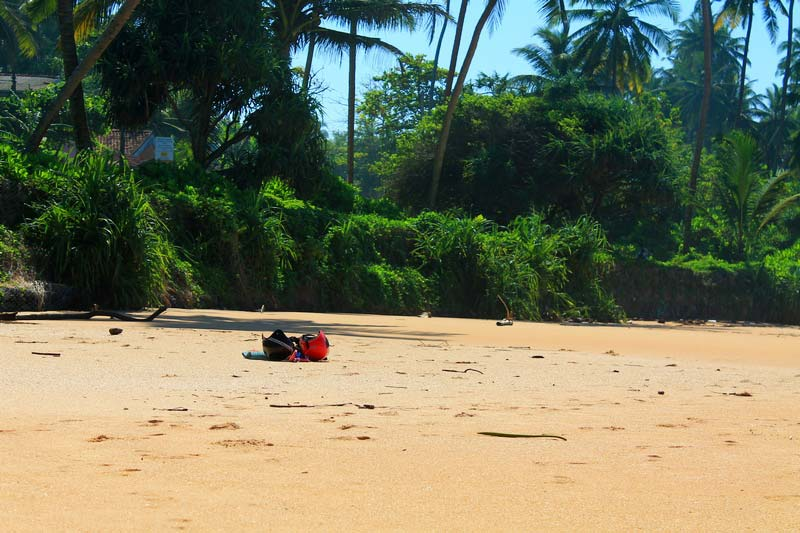 1-покинутый-пляж