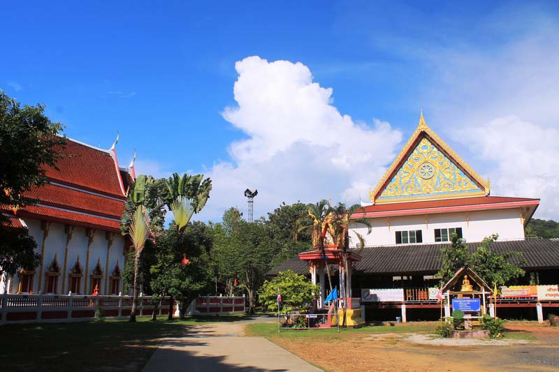 10-Wat-Khlong-Son
