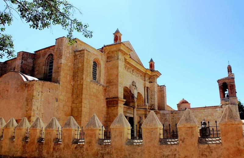 17-Кафедральный-собор-Санто-Доминго