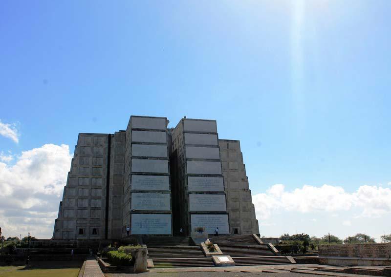4-маяк-колумба-фото