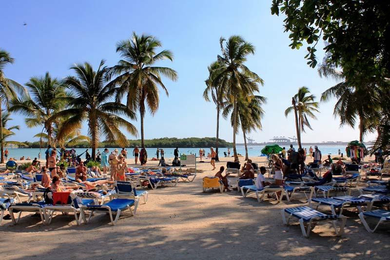3-Beach-BelleVue-Dominican-Bay
