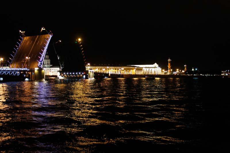 31-разведенный-дворцовый-мост