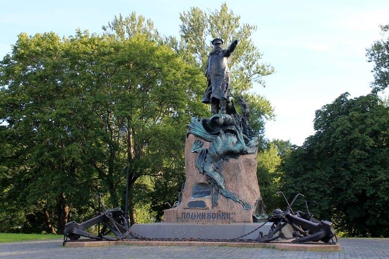 12 памятник адмиралу Макарову Кронштадт