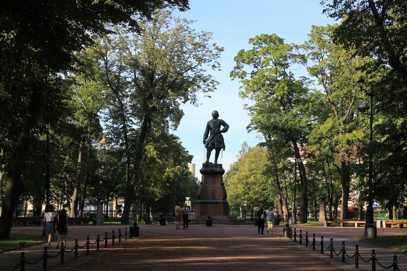 15 Петровский парк памятник ПетруI