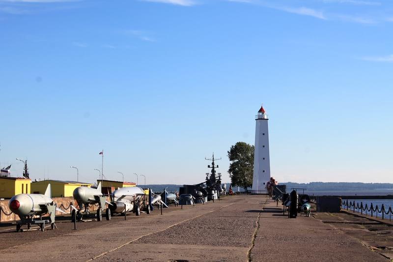 белый маяк Кронштадт