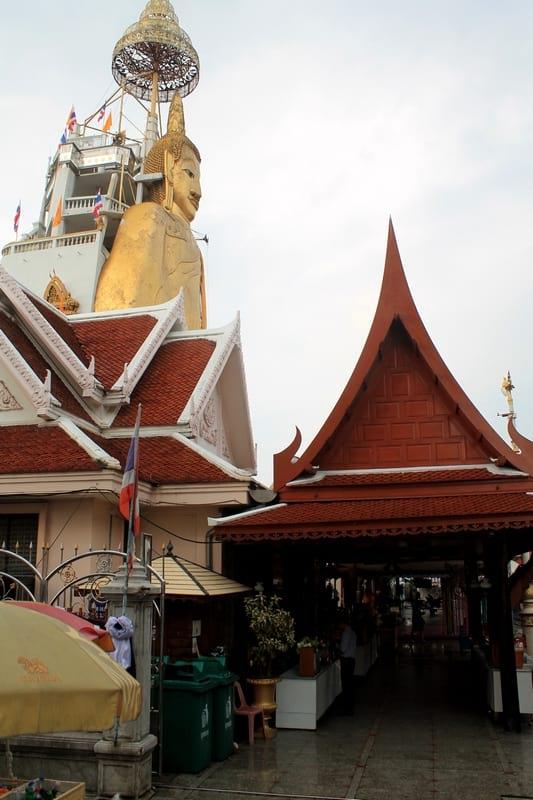 Стоящий Будда Бангкок