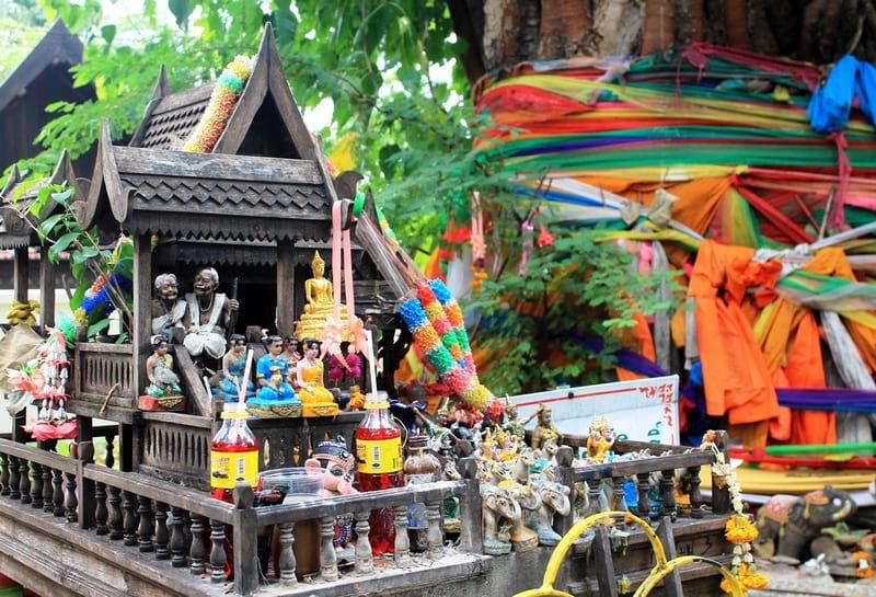 тайский алтарь