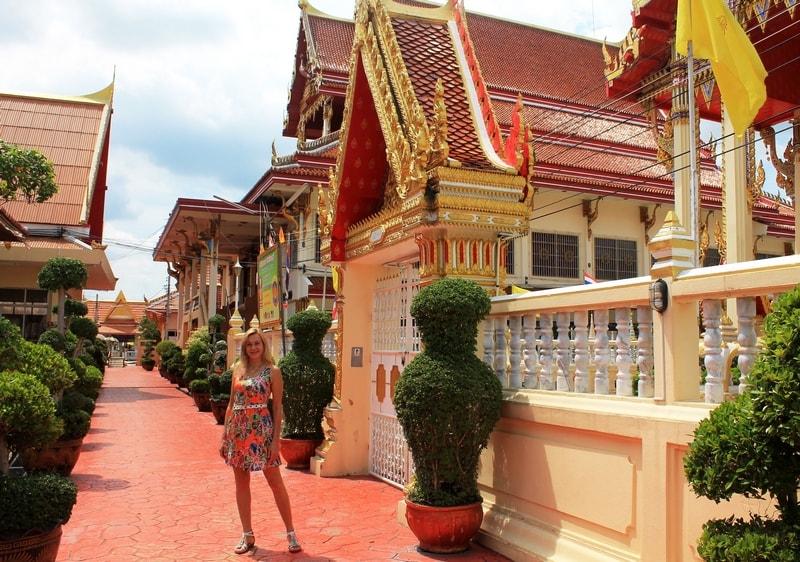 10 Wat Sanam Nuea