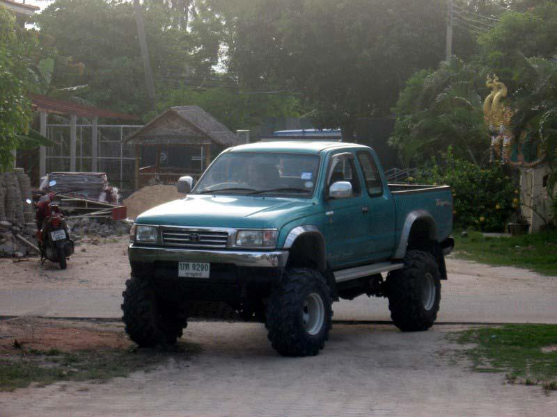 тойота-хайлюкс-80