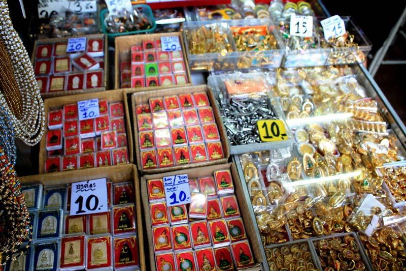 7-Amulet-Market-Bangkok