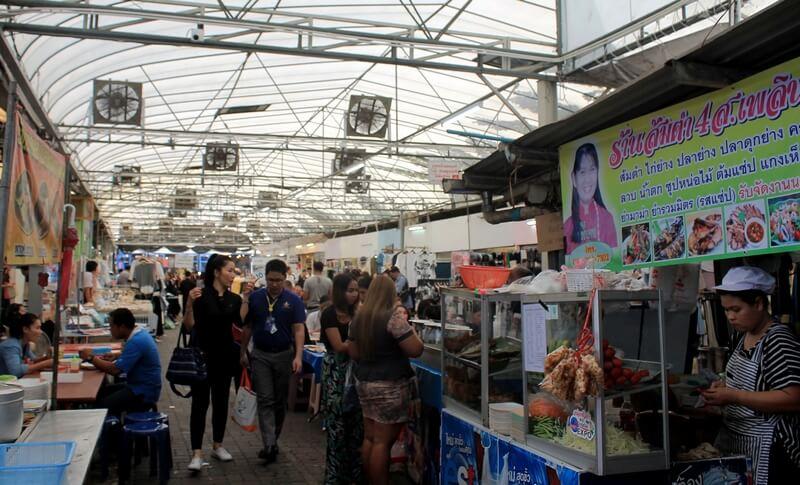 3 Бангкок рынок люмпини