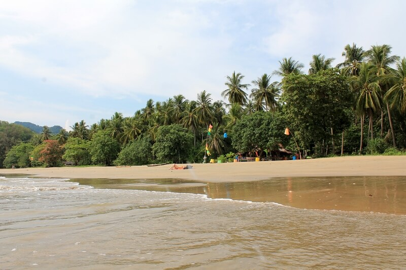 14 остров Ко Джум пляж