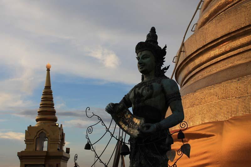 Храм-золотой-горы