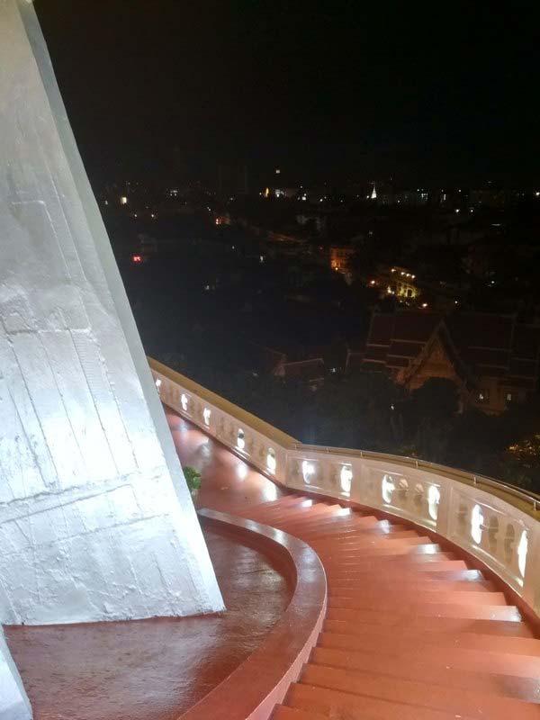 Храм-золотой-горы-Бангкок