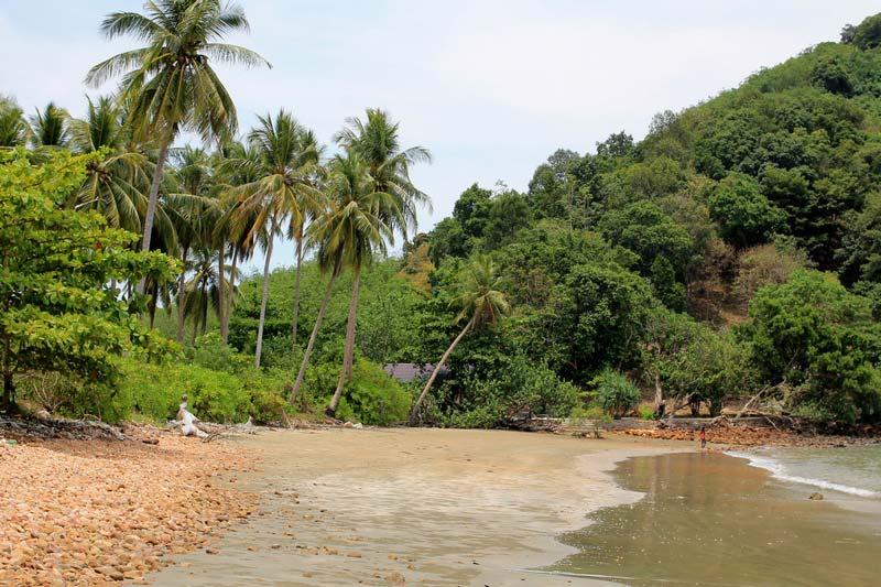 Coconat-Beach-Ko-Yum