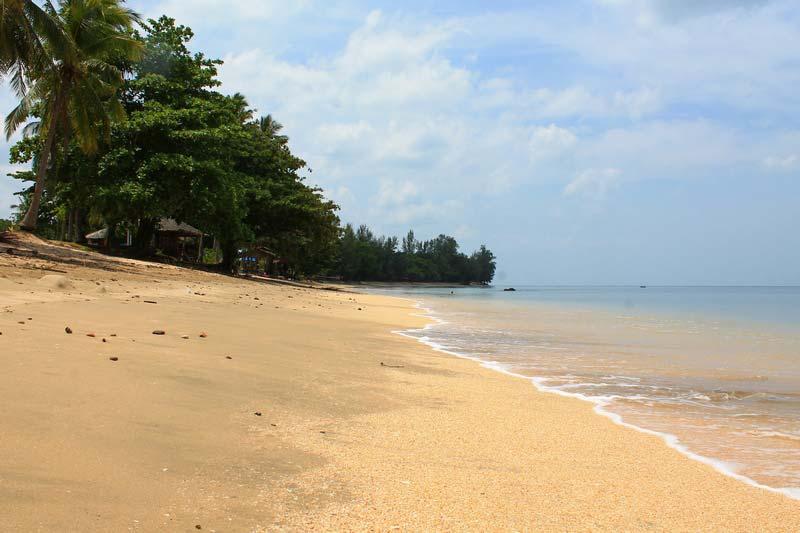 Golden-Pearl-Beach-3