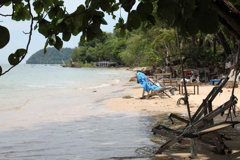 Ting-Rai-Beach-1