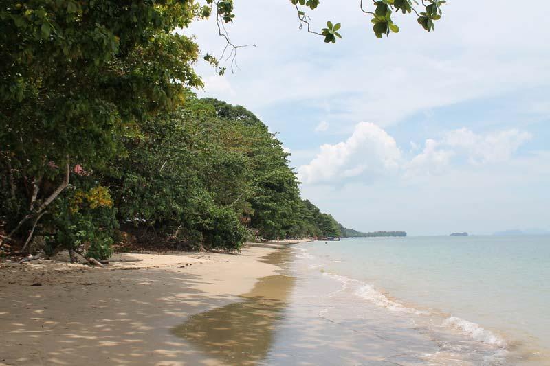 Ting-Rai-Beach-2