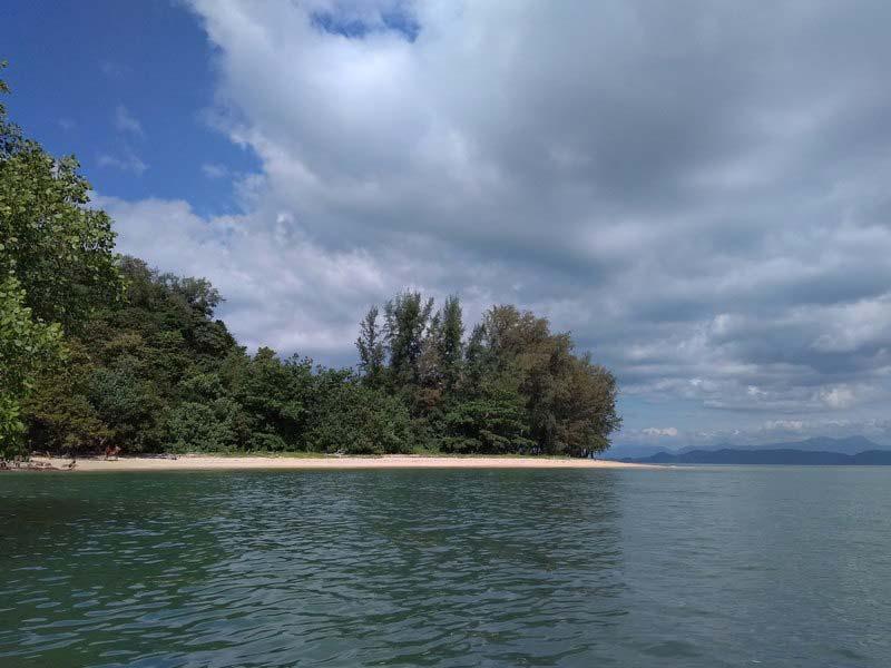 Beach-Koh-Payam-Resort