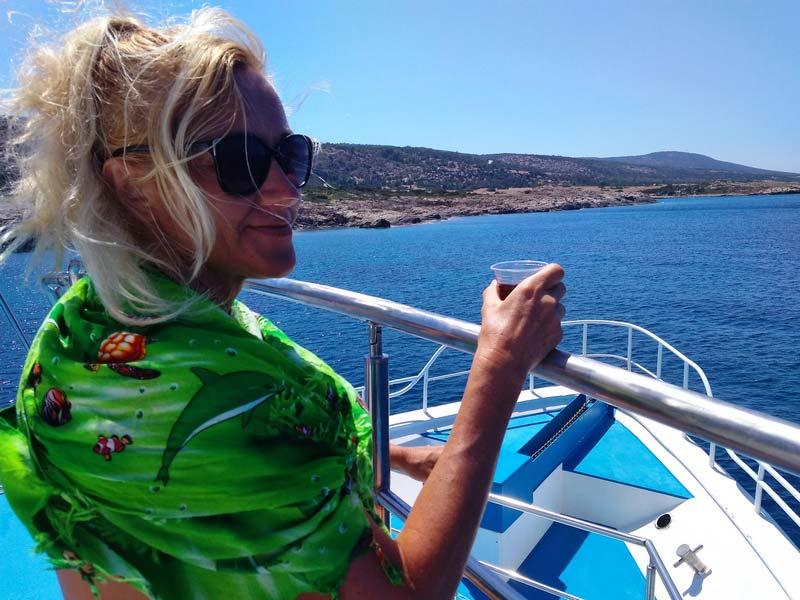 Кипр-прогулки-на-лодке