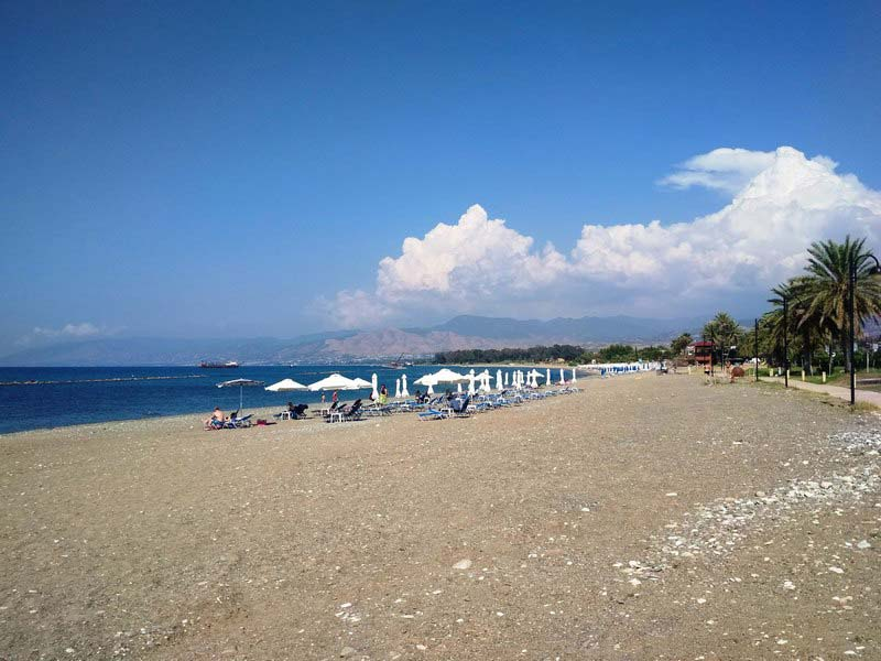 Полис-пляж