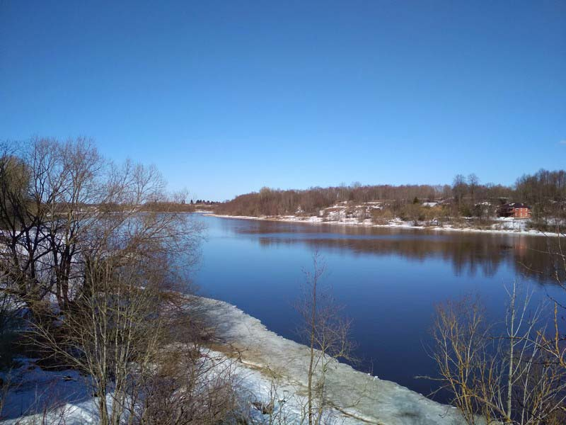 река-Волхов-весной