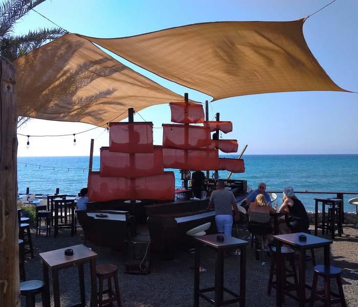 таверна-на-берегу-моря-Кипр
