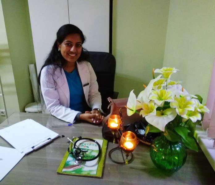 Индийская-массажистка-в-Санкт-Петербурге