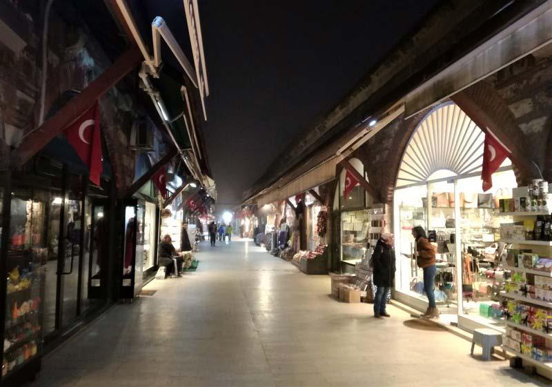 Турция-ночной-рынок